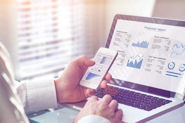 نرم افزارهای تحلیل اقتصادی کداماند و انواع آنلاین آن چه برتری دارند؟